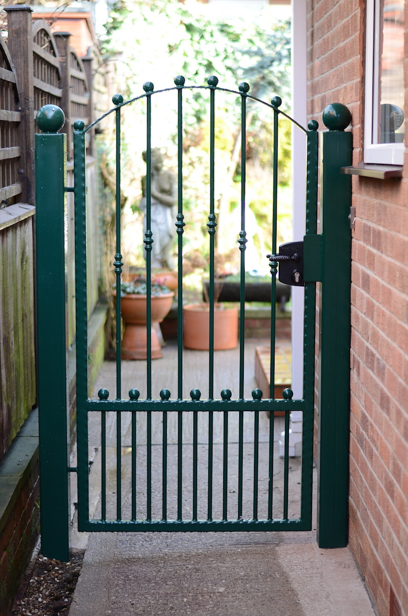 Single gate r g global coatings ltd